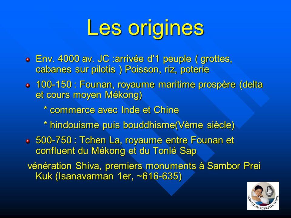 Les origines Env. 4000 av. JC :arrivée d'1 peuple ( grottes, cabanes sur pilotis ) Poisson, riz, poterie.