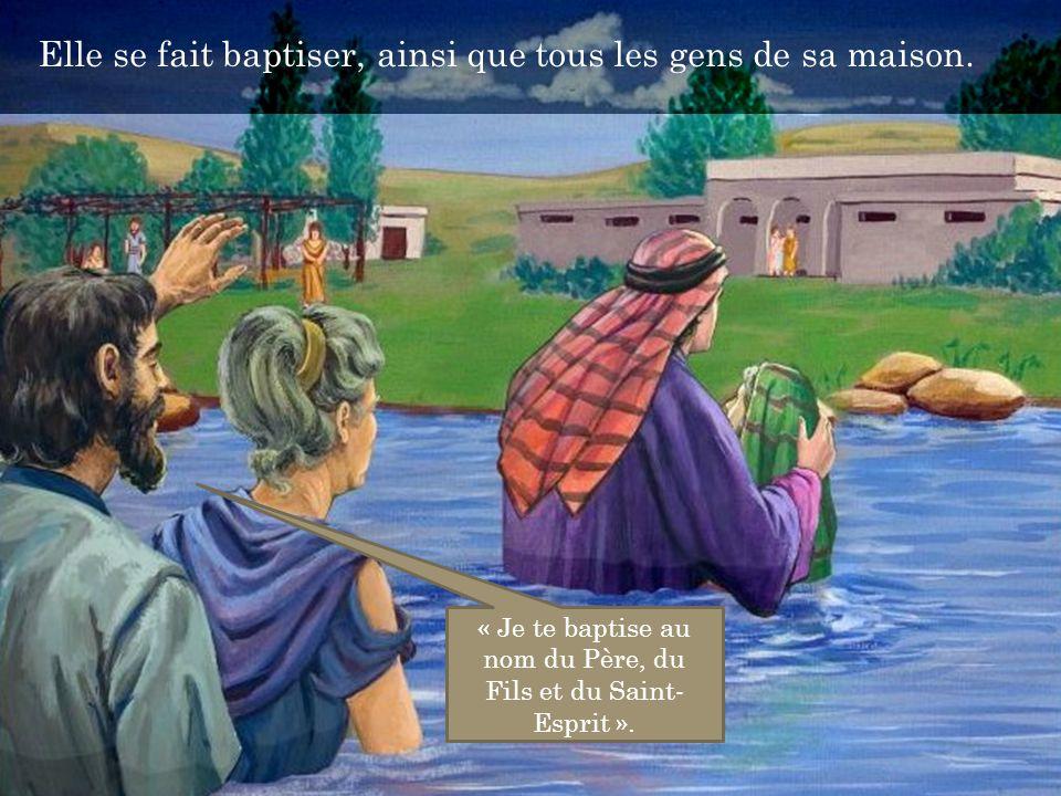 « Je te baptise au nom du Père, du Fils et du Saint-Esprit ».