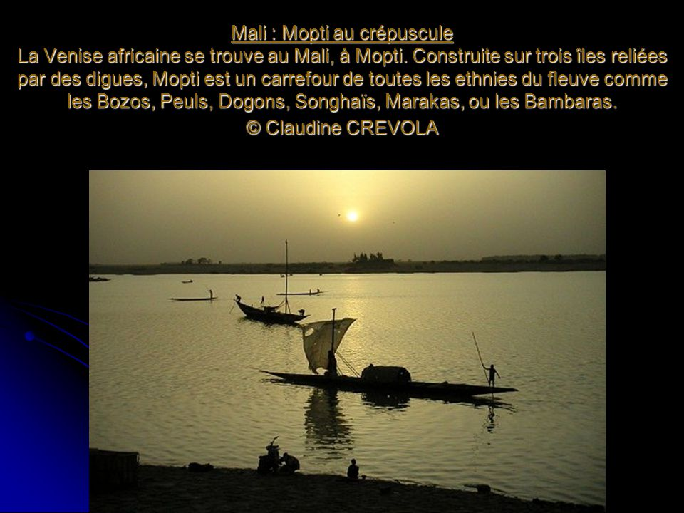 Mali : Mopti au crépuscule La Venise africaine se trouve au Mali, à Mopti.