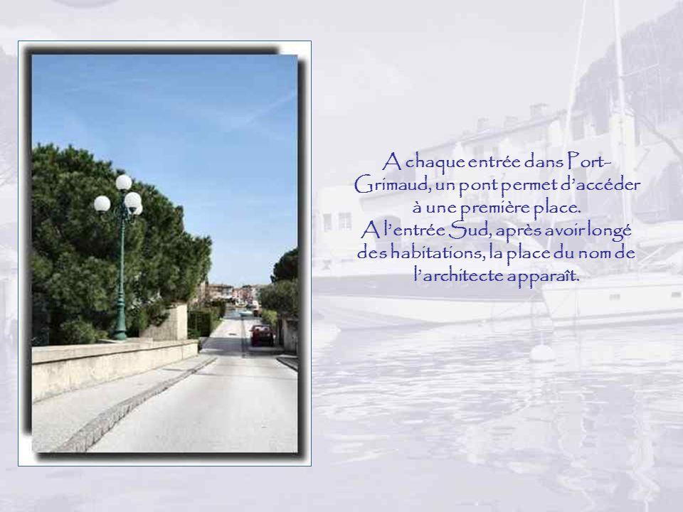 A chaque entrée dans Port-Grimaud, un pont permet d'accéder à une première place.