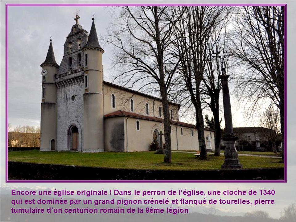 Encore une église originale