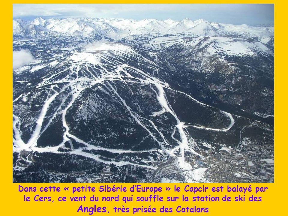 Dans cette « petite Sibérie d'Europe » le Capcir est balayé par le Cers, ce vent du nord qui souffle sur la station de ski des Angles, très prisée des Catalans