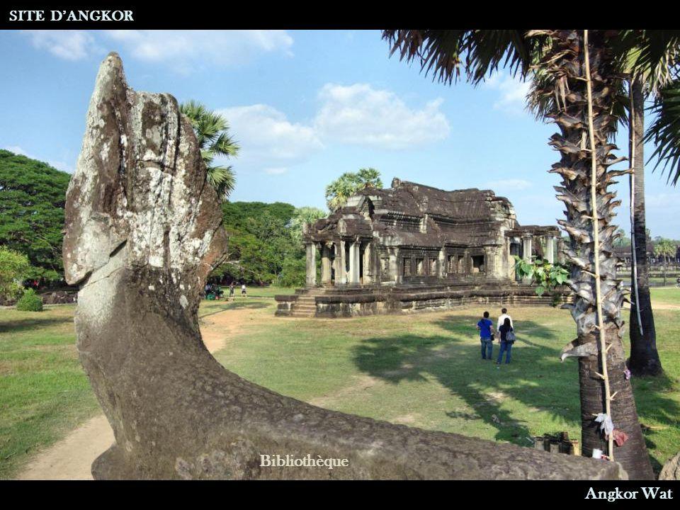 SITE D'ANGKOR Bibliothèque Angkor Wat