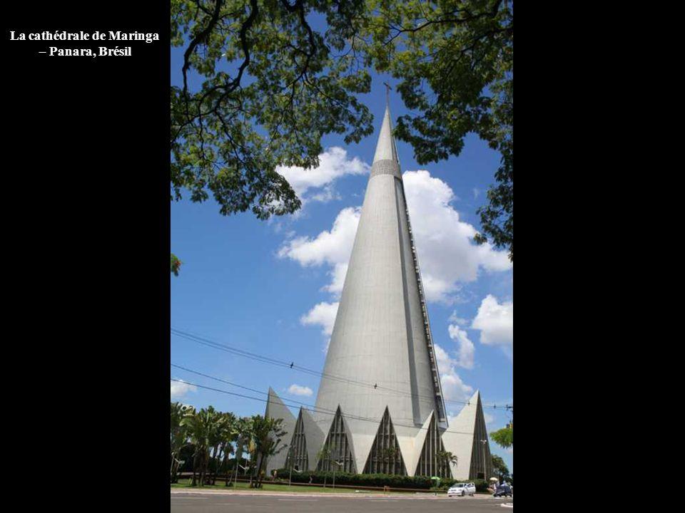 La cathédrale de Maringa – Panara, Brésil