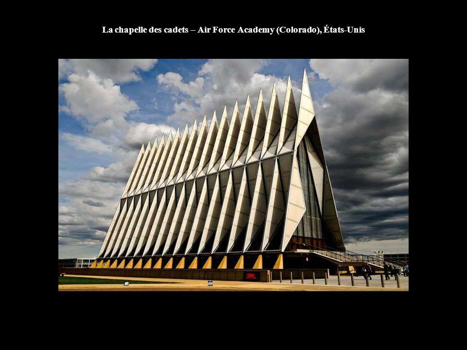 La chapelle des cadets – Air Force Academy (Colorado), États-Unis