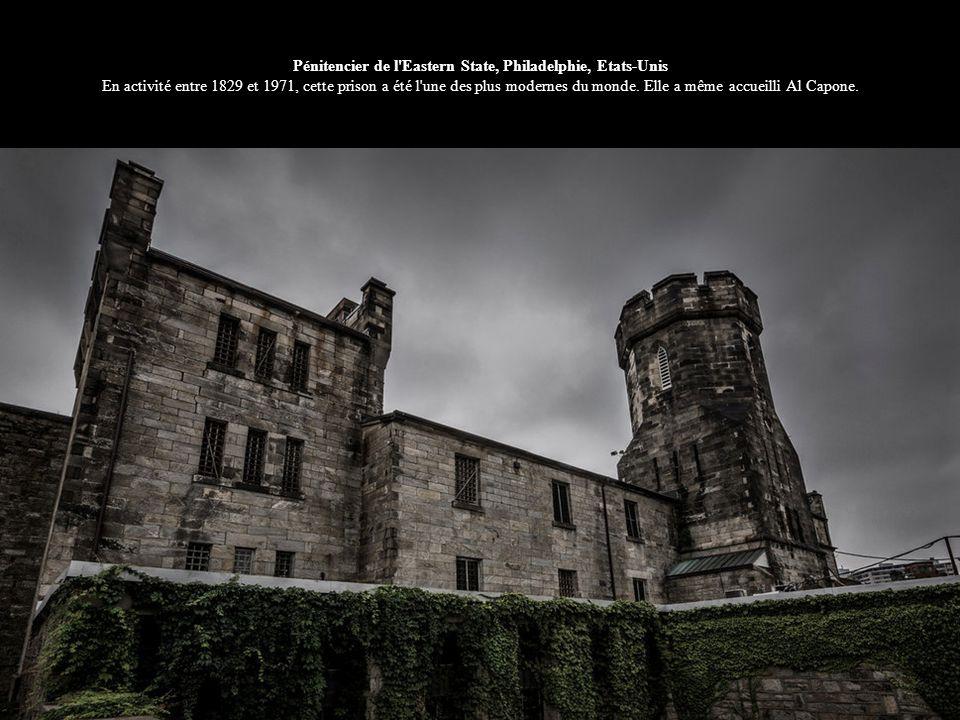 Pénitencier de l Eastern State, Philadelphie, Etats-Unis En activité entre 1829 et 1971, cette prison a été l une des plus modernes du monde.