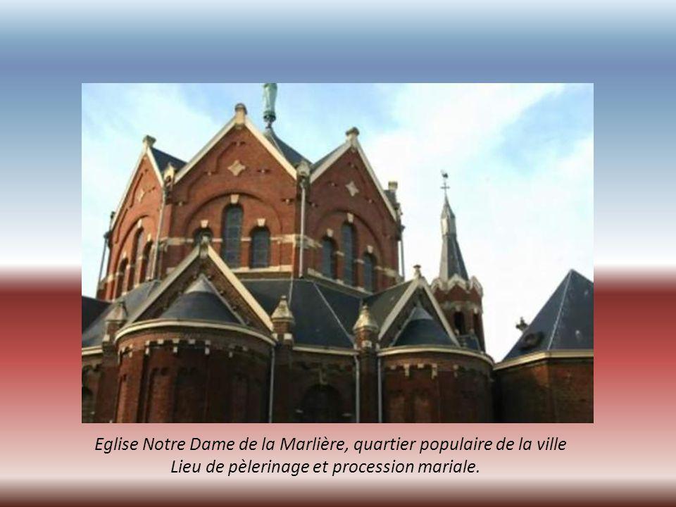 Eglise Notre Dame de la Marlière, quartier populaire de la ville
