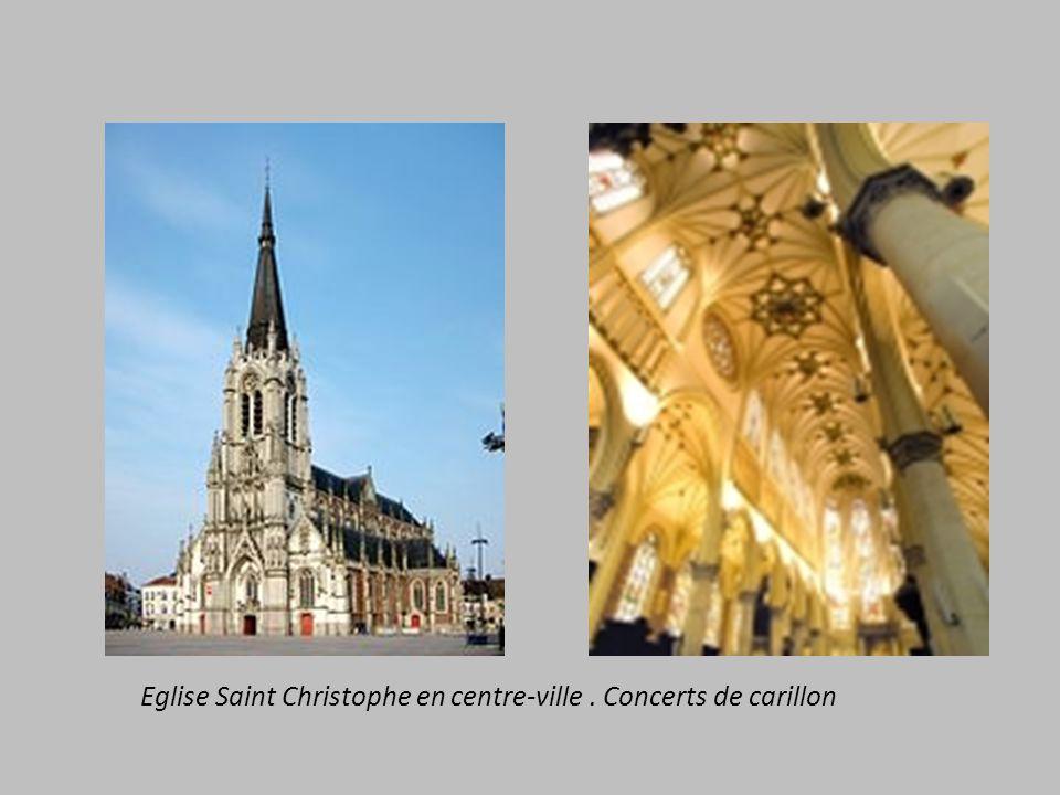 Eglise Saint Christophe en centre-ville . Concerts de carillon