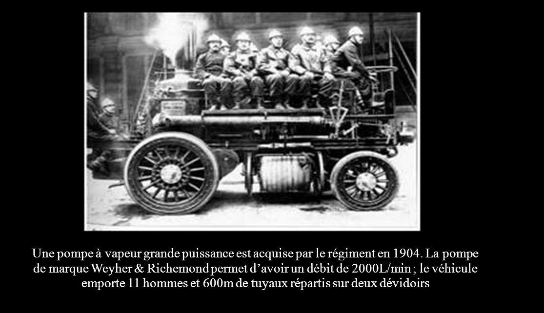 Une pompe à vapeur grande puissance est acquise par le régiment en 1904.