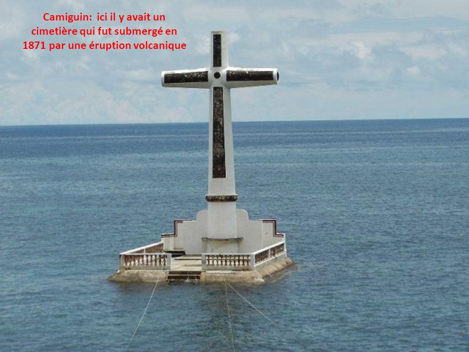 Camiguin: ici il y avait un cimetière qui fut submergé en