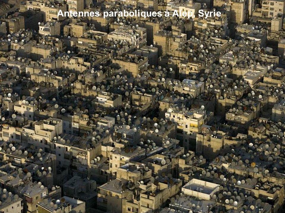 Antennes paraboliques à Alep, Syrie