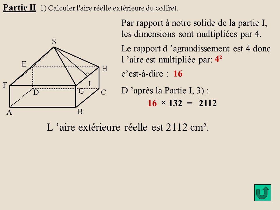 L 'aire extérieure réelle est 2112 cm².