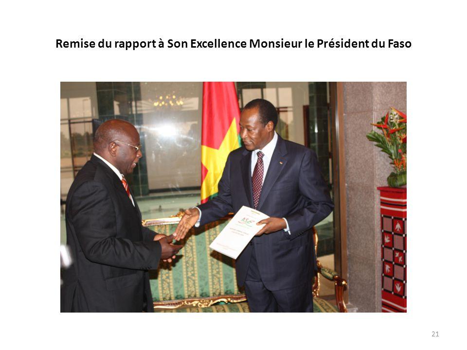Remise du rapport à Son Excellence Monsieur le Président du Faso