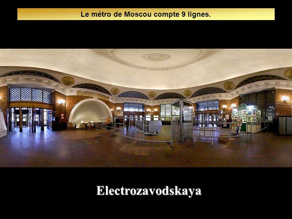 Le métro de Moscou compte 9 lignes.