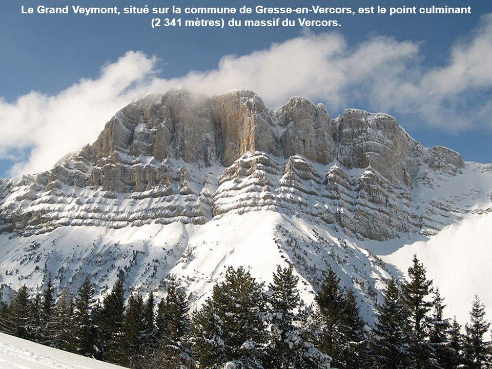 Le Grand Veymont, situé sur la commune de Gresse-en-Vercors, est le point culminant (2 341 mètres) du massif du Vercors.