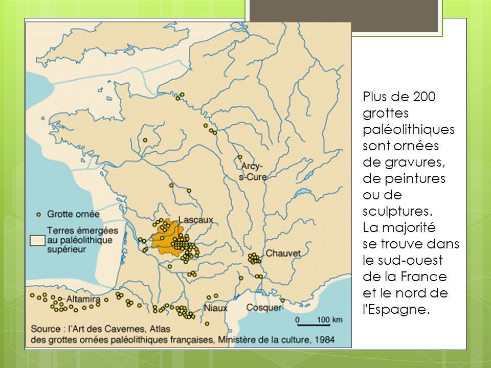 Plus de 200 grottes paléolithiques sont ornées de gravures, de peintures ou de sculptures.