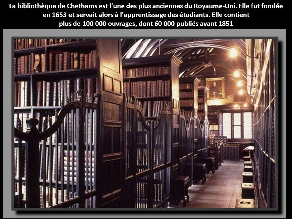 plus de 100 000 ouvrages, dont 60 000 publiés avant 1851