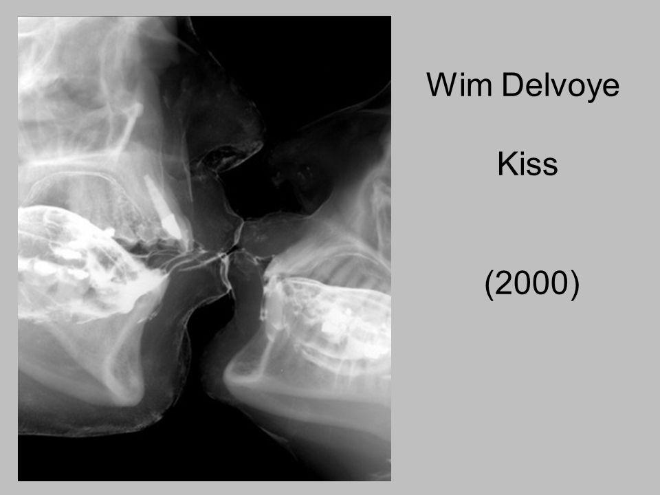 Wim Delvoye Kiss (2000)