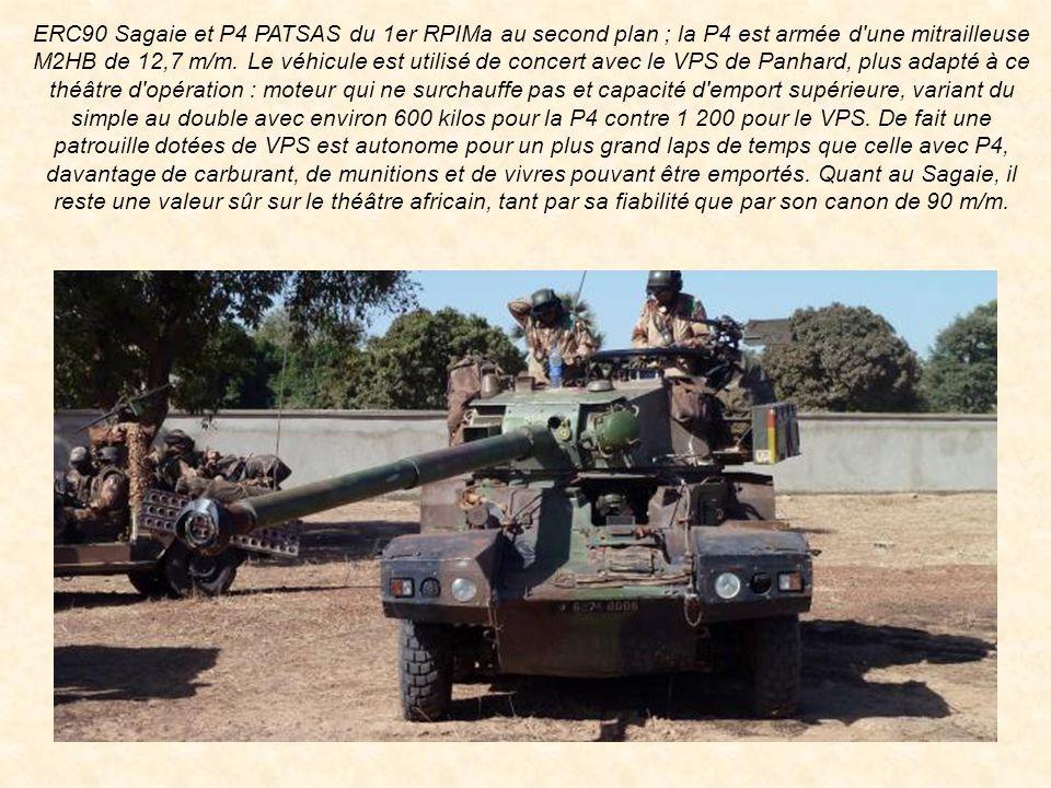 ERC90 Sagaie et P4 PATSAS du 1er RPIMa au second plan ; la P4 est armée d une mitrailleuse M2HB de 12,7 m/m.