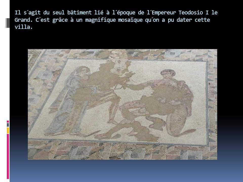 Il s´agit du seul bâtiment lié à l´époque de l´Empereur Teodosio I le Grand.
