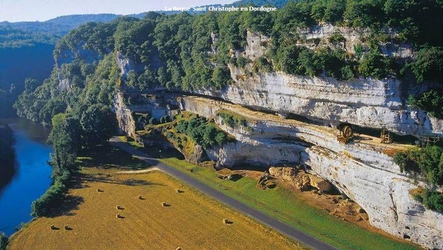 La Roque Saint Christophe en Dordogne