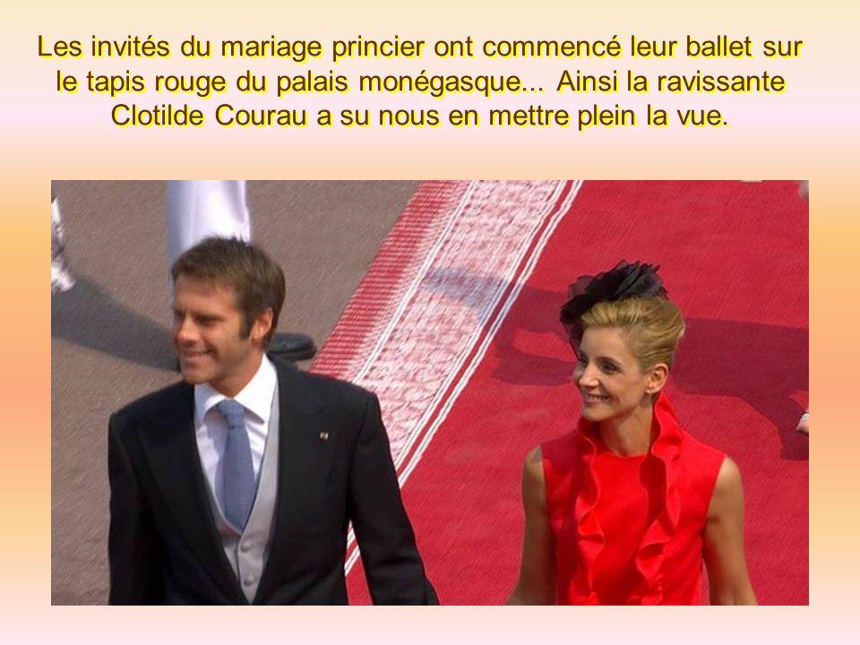 Les invités du mariage princier ont commencé leur ballet sur le tapis rouge du palais monégasque...
