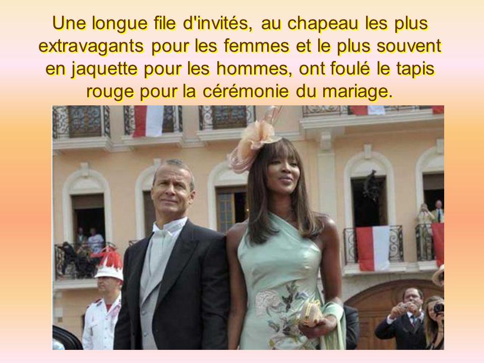 Une longue file d invités, au chapeau les plus extravagants pour les femmes et le plus souvent en jaquette pour les hommes, ont foulé le tapis rouge pour la cérémonie du mariage.