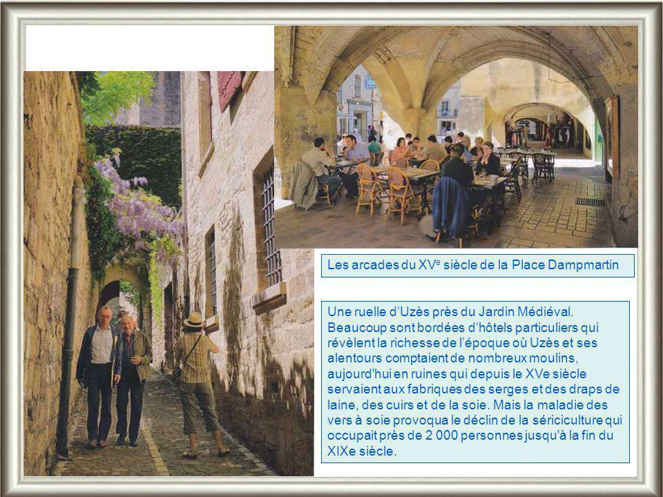 Les arcades du XVe siècle de la Place Dampmartin