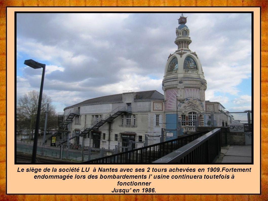 Le siège de la société LU à Nantes avec ses 2 tours achevées en 1909