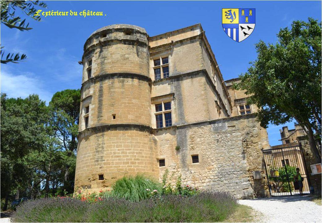 L'extérieur du château .