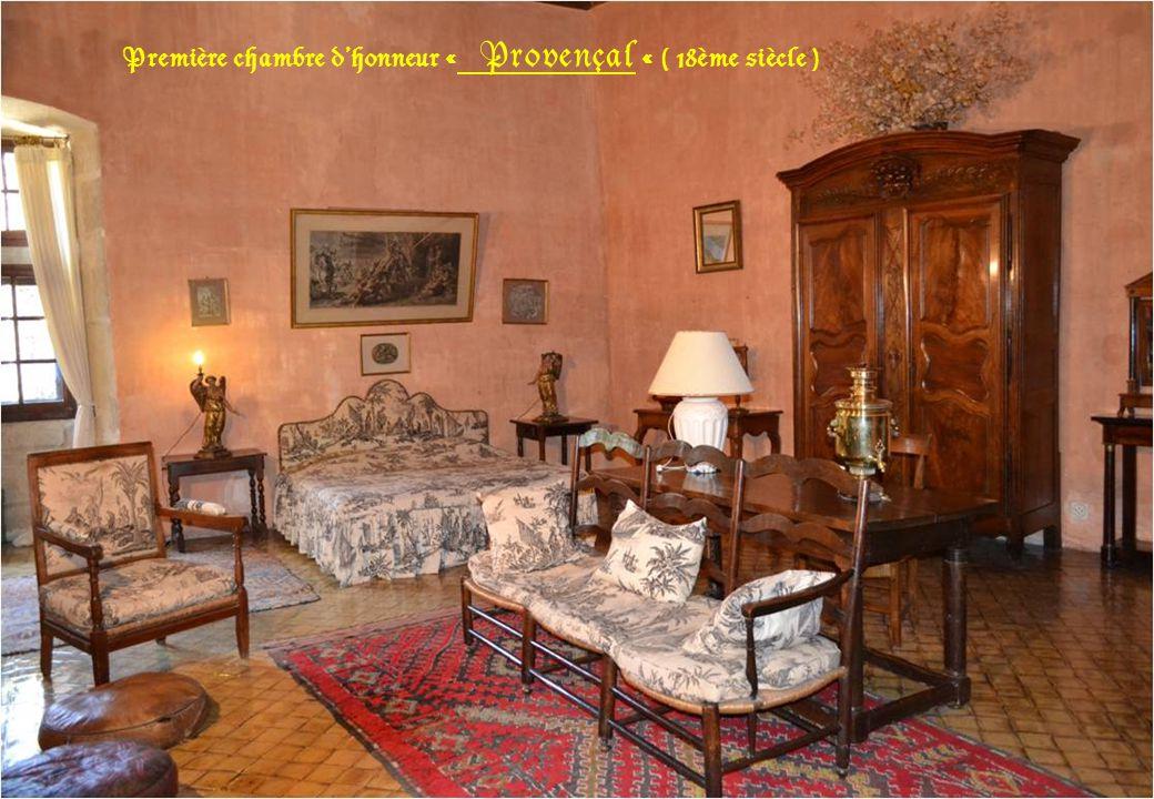 Première chambre d'honneur « Provençal « ( 18ème siècle )