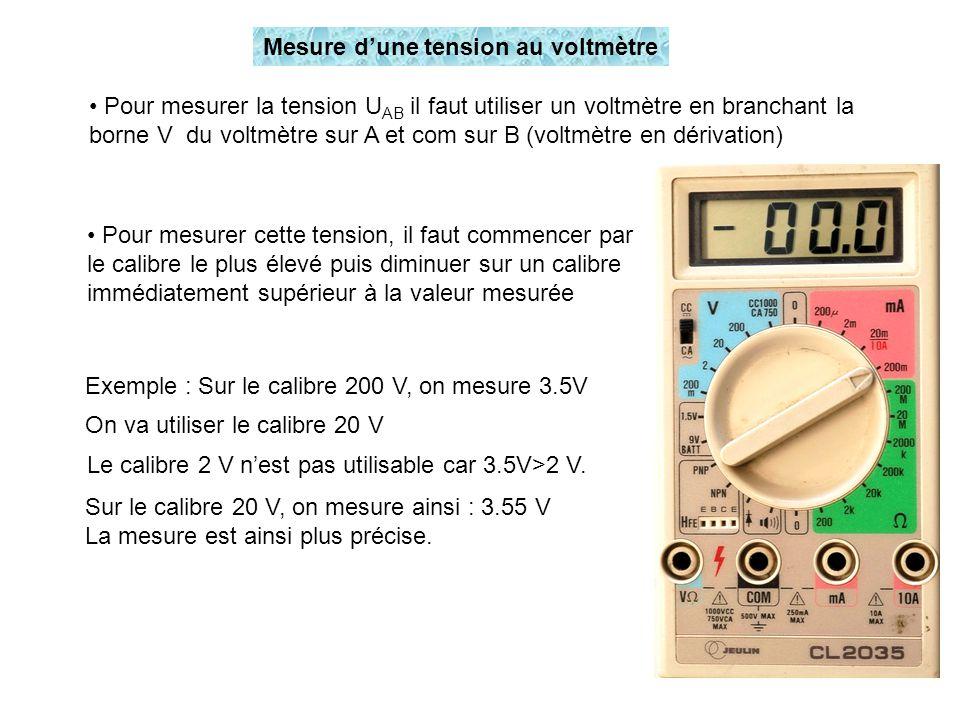 Mesure d'une tension au voltmètre