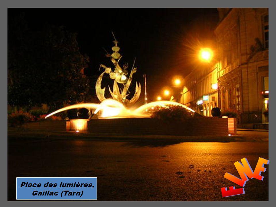 FINE Place des lumières, Gaillac (Tarn)