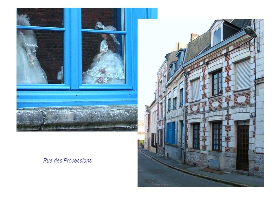 Rue des Processions