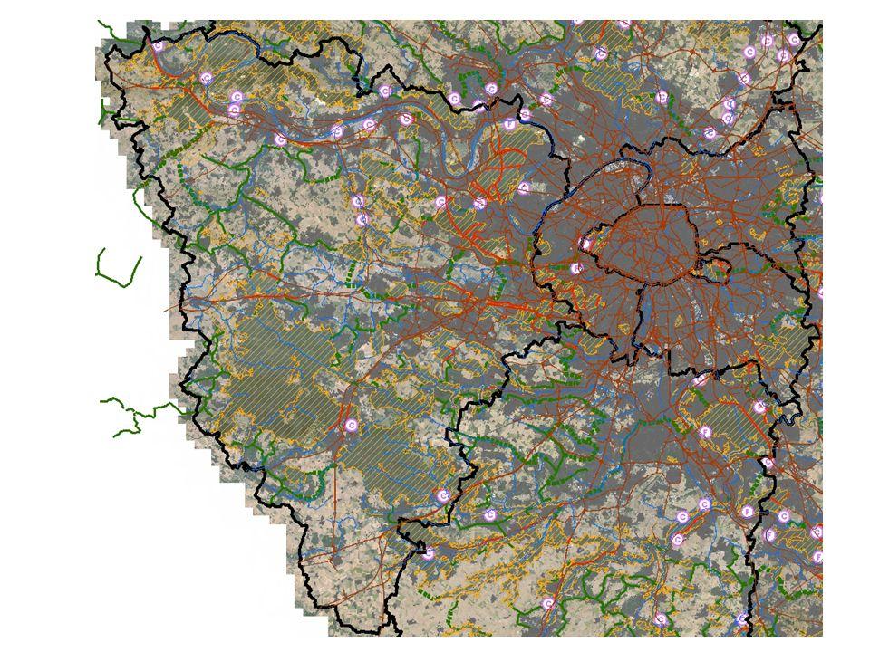 La situation des massifs forestiers de l'ouest du territoire est particulièrement problématique : La forêt de Saint-Germain-en-Laye est coupée dans tous les sens par la N184, les D190 et D308, ainsi que par les voies ferrées menant à Cergy et à Poissy et par la gare de triage d'Achères.