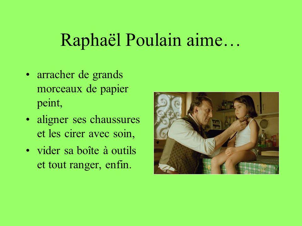 Raphaël Poulain aime… arracher de grands morceaux de papier peint,