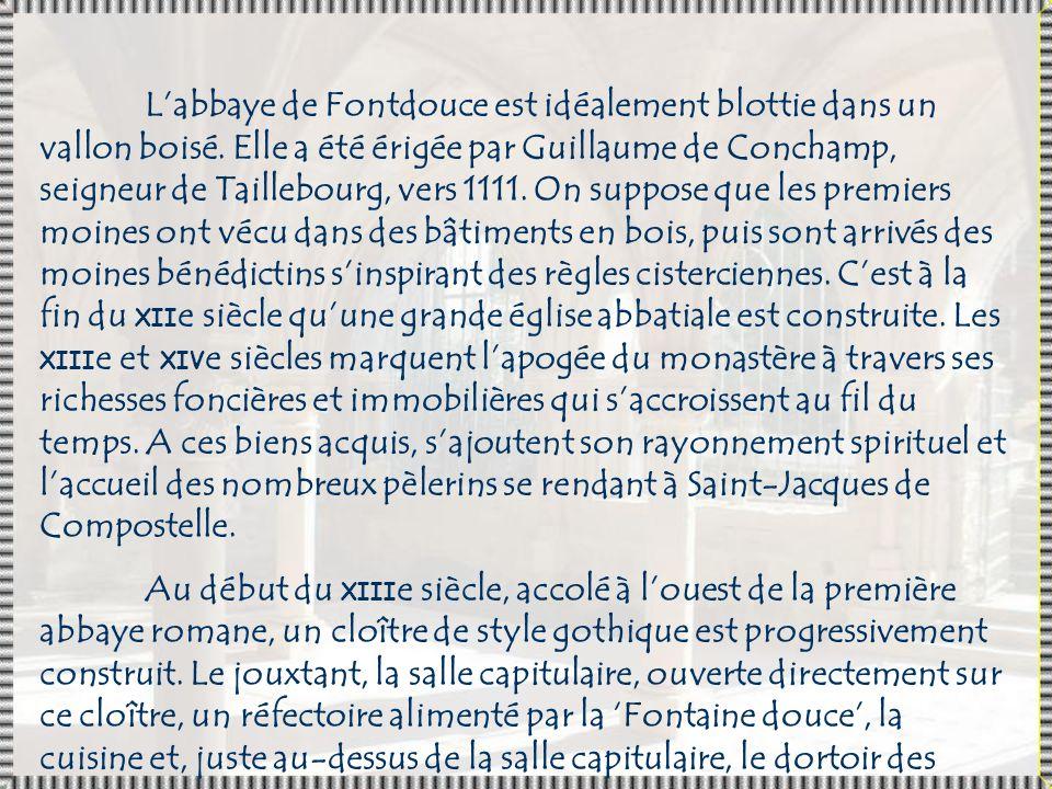 L'abbaye de Fontdouce est idéalement blottie dans un vallon boisé