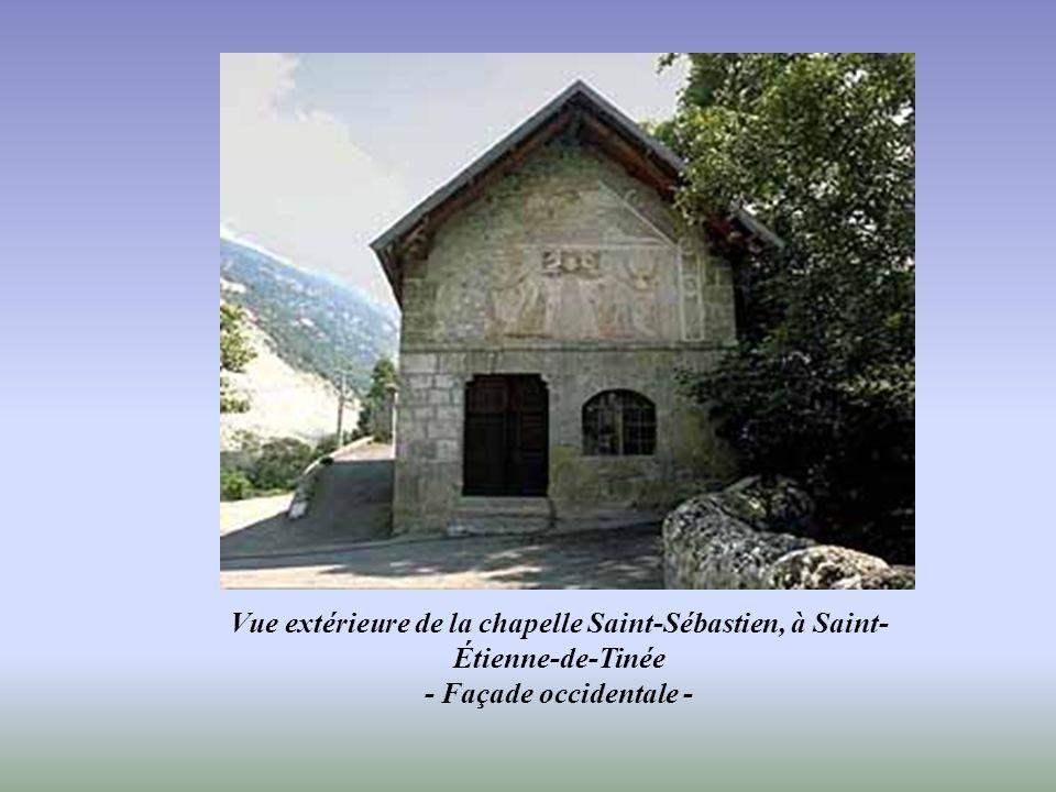 Vue extérieure de la chapelle Saint-Sébastien, à Saint-Étienne-de-Tinée - Façade occidentale -
