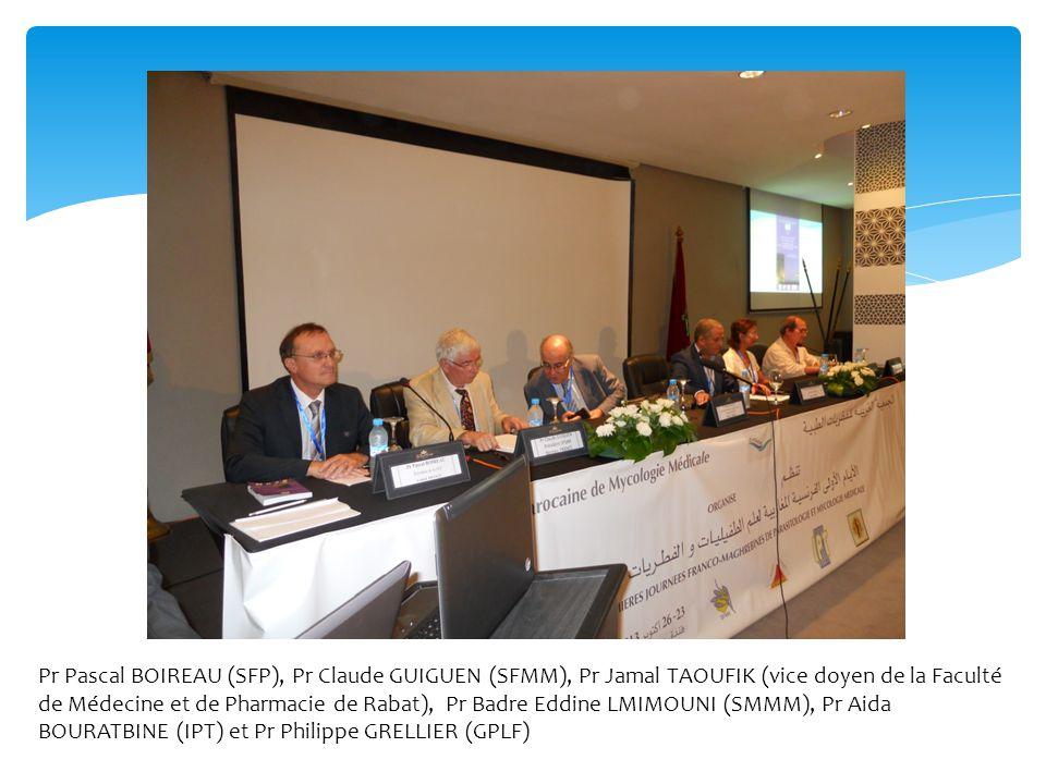 Pr Pascal BOIREAU (SFP), Pr Claude GUIGUEN (SFMM), Pr Jamal TAOUFIK (vice doyen de la Faculté de Médecine et de Pharmacie de Rabat), Pr Badre Eddine LMIMOUNI (SMMM), Pr Aida BOURATBINE (IPT) et Pr Philippe GRELLIER (GPLF)