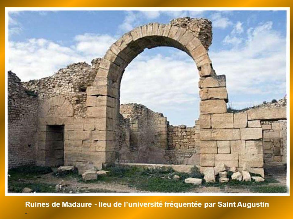 Ruines de Madaure - lieu de l'université fréquentée par Saint Augustin -