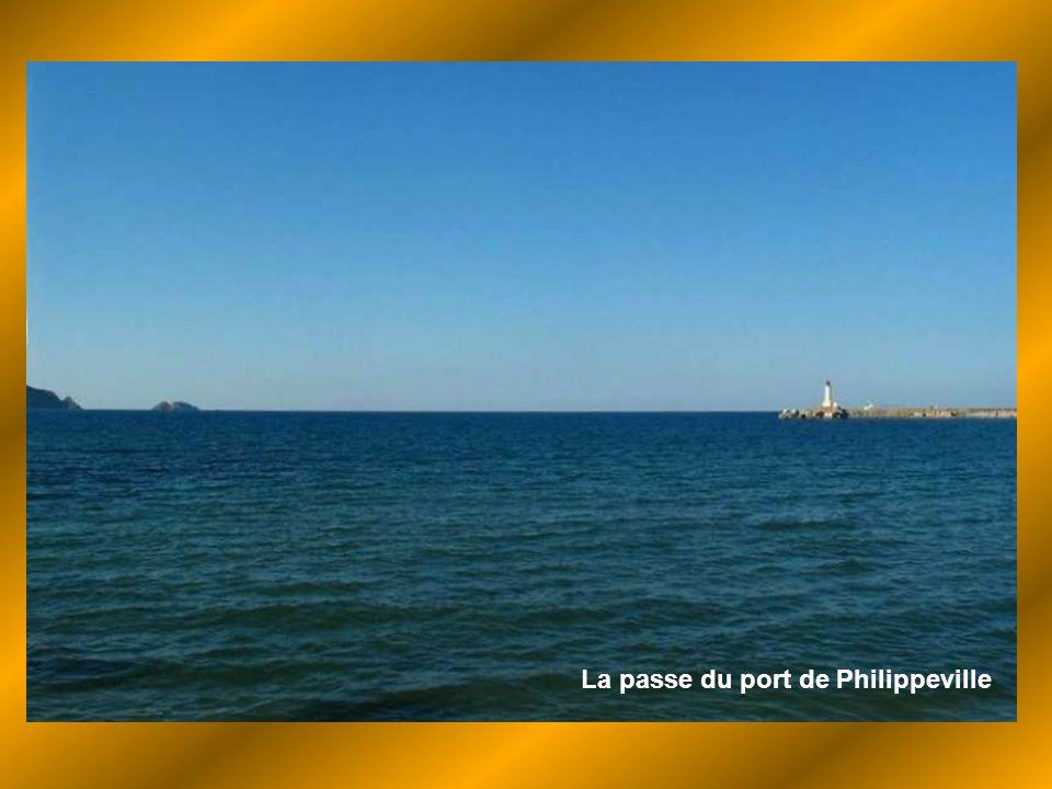 La passe du port de Philippeville