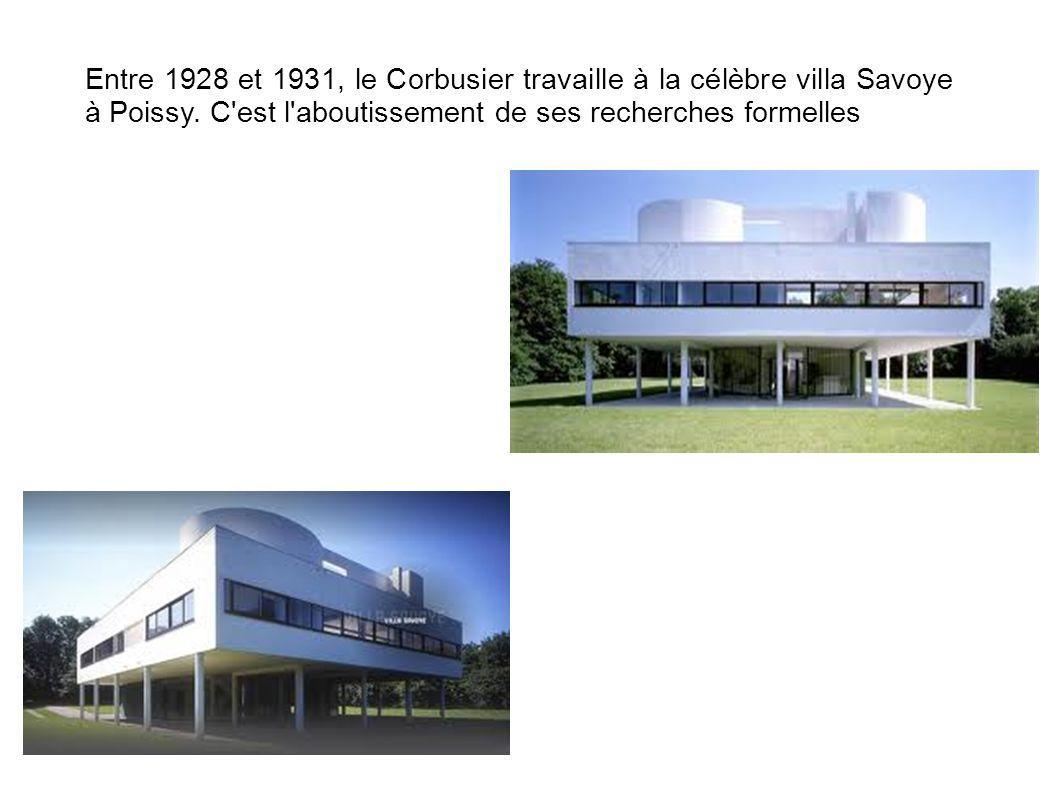 Entre 1928 et 1931, le Corbusier travaille à la célèbre villa Savoye à Poissy.