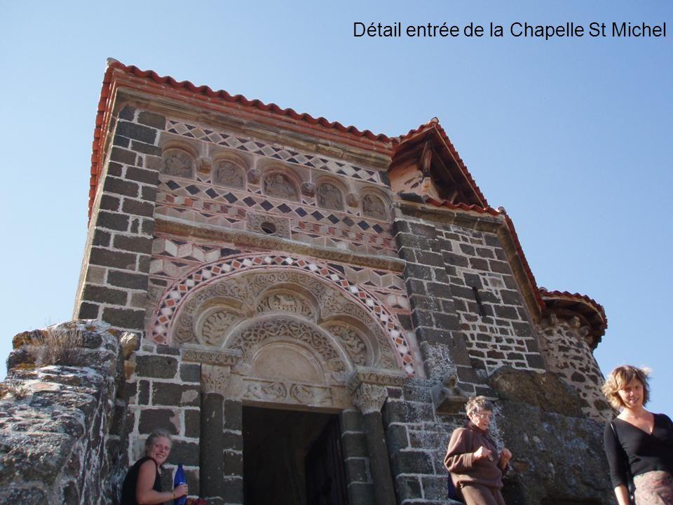 Détail entrée de la Chapelle St Michel
