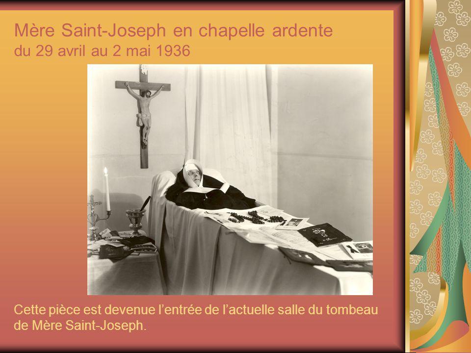 Mère Saint-Joseph en chapelle ardente du 29 avril au 2 mai 1936