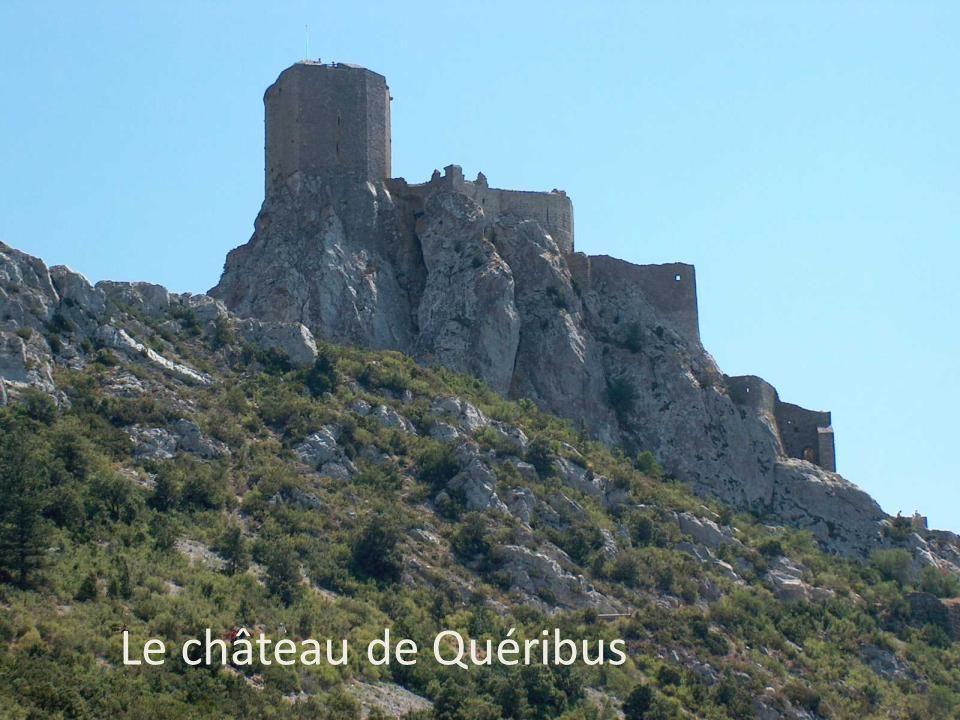 Le château de Quéribus Le château de Quéribus