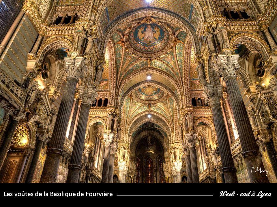 Week - end à Lyon Les voûtes de la Basilique de Fourvière