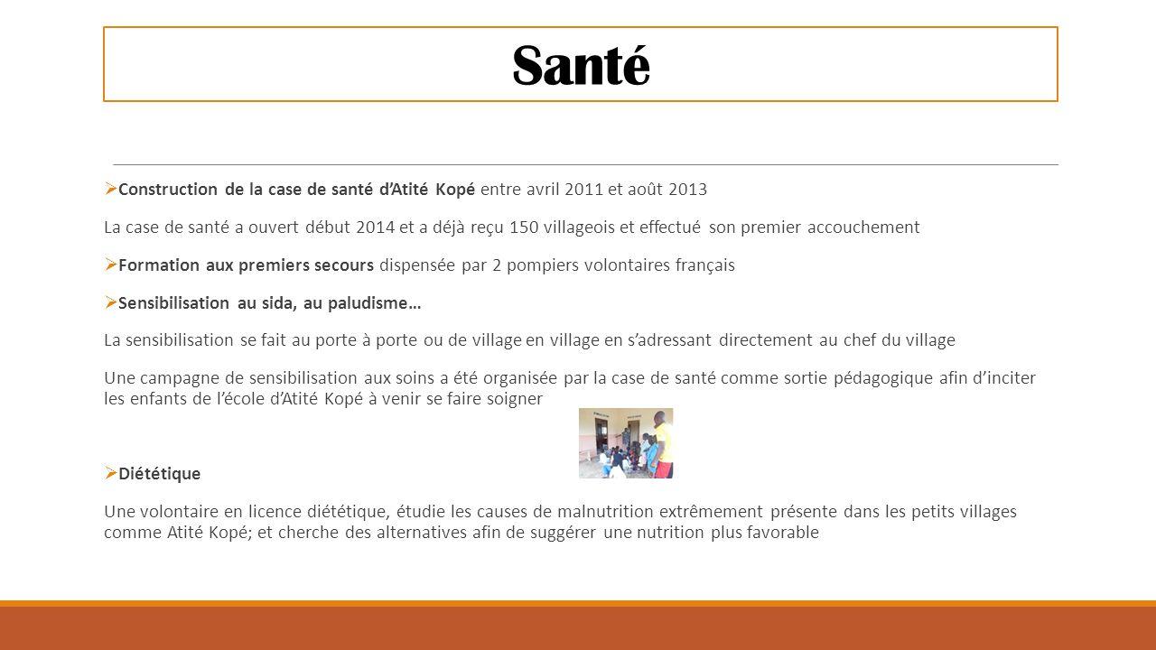 Santé Construction de la case de santé d'Atité Kopé entre avril 2011 et août 2013.