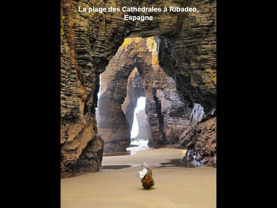 La plage des Cathédrales à Ribadeo, Espagne