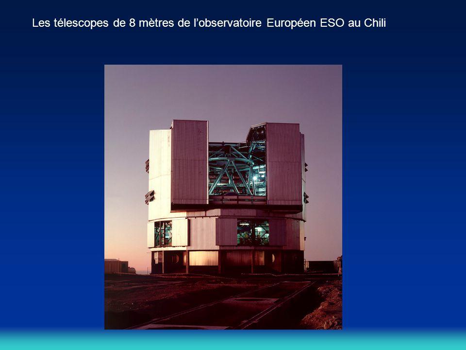 Les télescopes de 8 mètres de l'observatoire Européen ESO au Chili