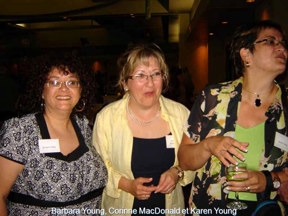 Barbara Young, Corinne MacDonald et Karen Young